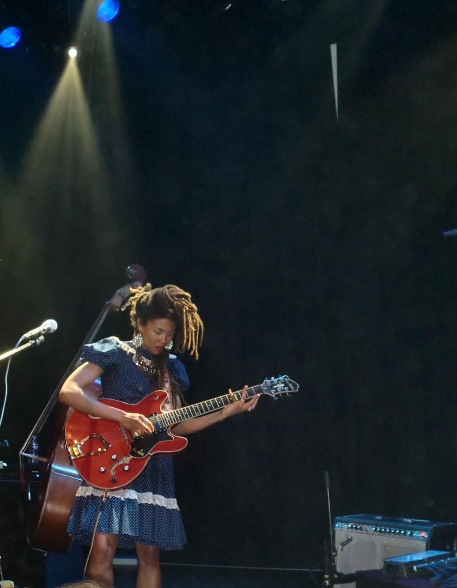 valerie june 04-07-2014a